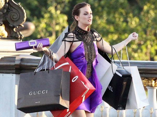 Top 4 con giáp nghiện mua sắm nhất