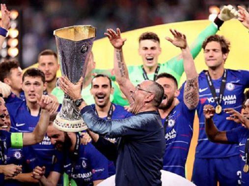 Sarri rời Chelsea đến Juventus: Sự lựa chọn đúng hay sai