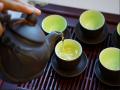 Ngủ mơ thấy uống trà điềm báo gì và nên đánh con loto nào là ăn chắc