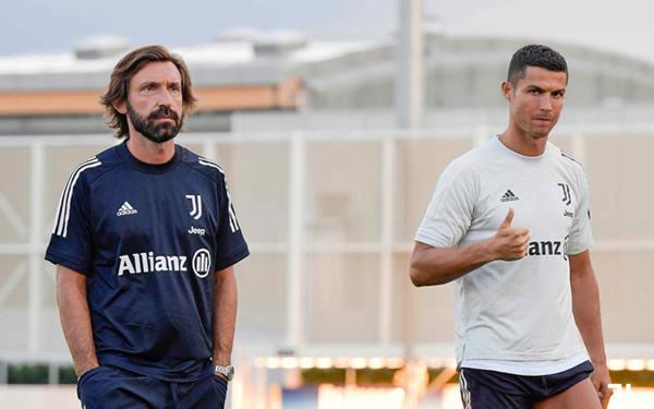 Tin bóng đá tối 25/8: HLV Pirlo trong buổi tập đầu tiên tại Juventus