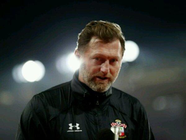 Tin bóng đá 30/11: HLV Southampton mỉa mai chiến thắng của MU