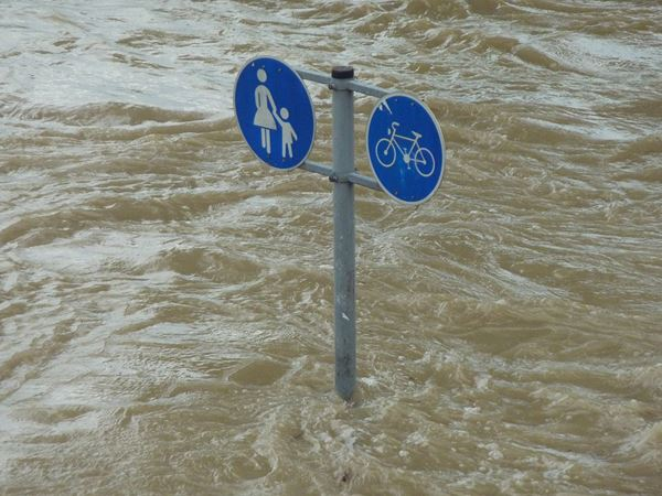 Mơ thấy lũ lụt có bí ẩn gì, thử vận may với cặp số nào?