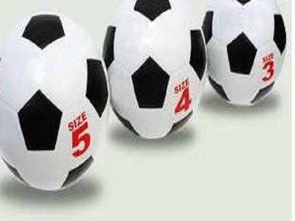 Tìm hiểu về quả bóng đá nặng bao nhiêu kg ?