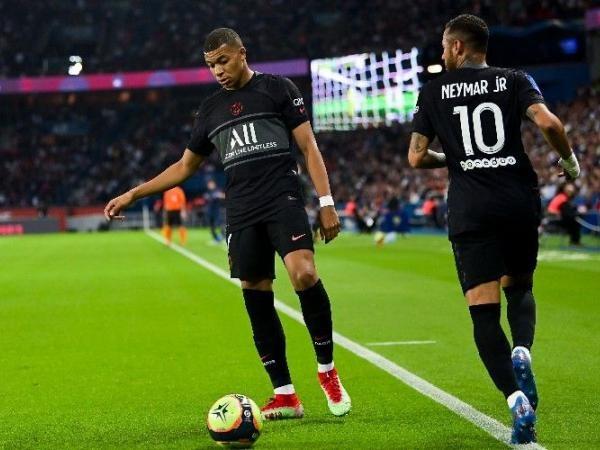 Bóng đá hôm nay 27/9: Mbappe trách Neymar không chuyền bóng